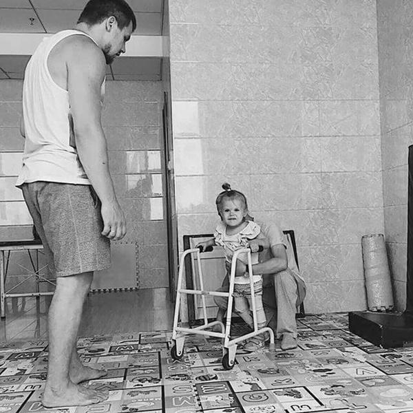 Фото №6 - «Наша дочь заболела ДЦП после неудачной прививки»: реальная история все равно счастливой семьи