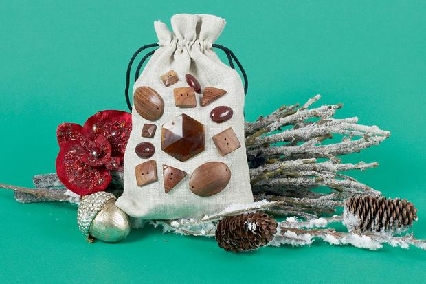 камни и мешок упаковка для подарка