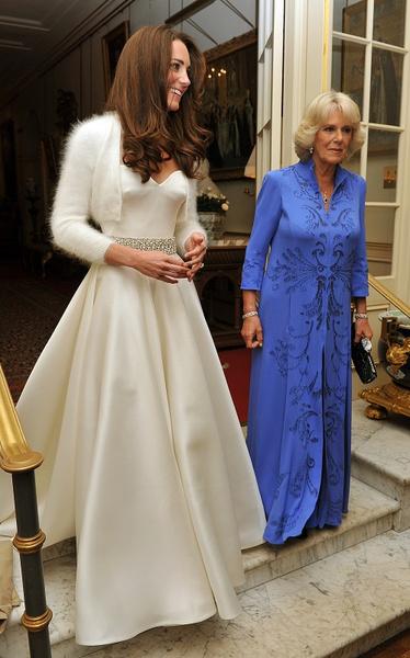 Фото №8 - После венчания: вторые свадебные платья королевских невест
