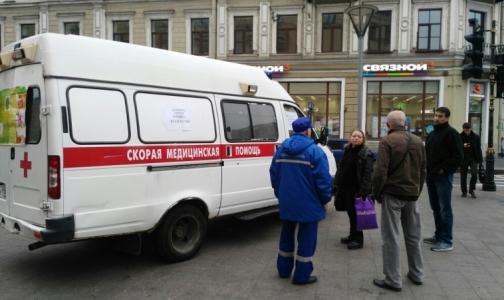 Фото №1 - Прививочные кабинеты выехали к разным станциям метро в Петербурге