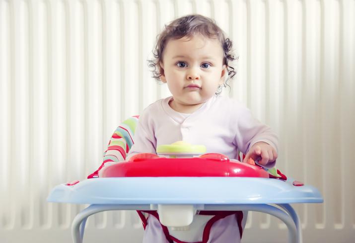 Фото №1 - Опасно для жизни: почему педиатры запрещают ходунки для детей
