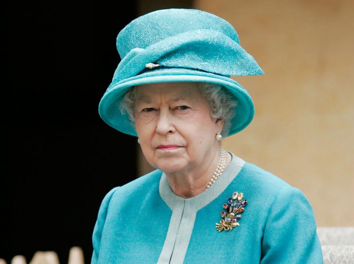 Фото №1 - Как Королева отреагировала на «оскорбительное» заявление Сассекских
