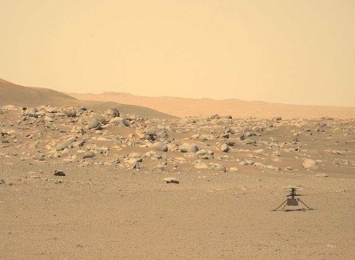 Фото №1 - Марсианский вертолет NASA совершил 10-й полет