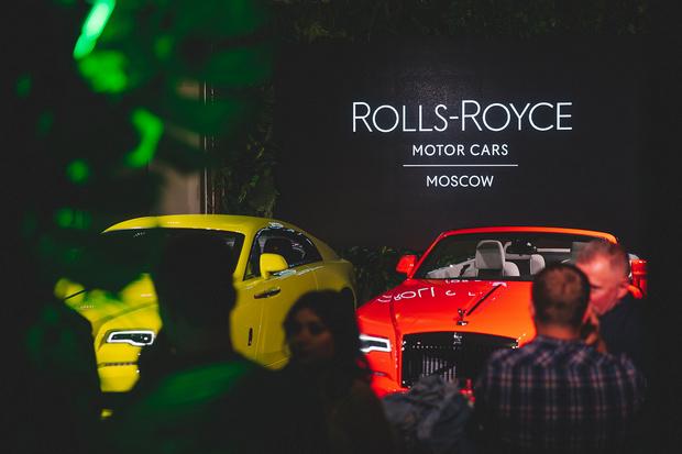 Фото №1 - Три модели Rolls-Royce Black Badge впервые представлены в России