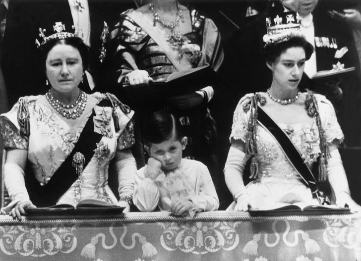 Фото №13 - От свадебных платьев до роскошных мехов: какие образы Виндзоров повторили в сериале «Корона»