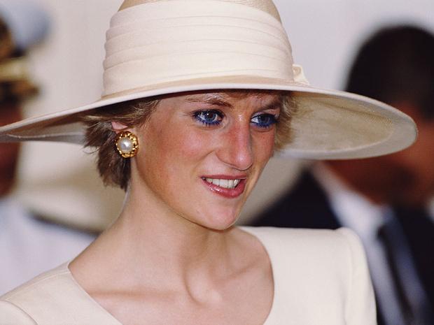 Фото №1 - Дурное влияние: как принцессу Диану поменяло пребывание во дворце