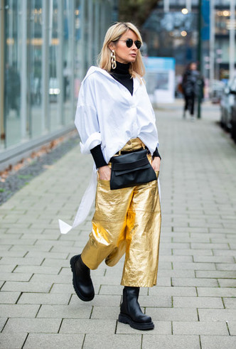 Фото №12 - С чем носить белую рубашку: стильные идеи на любой случай