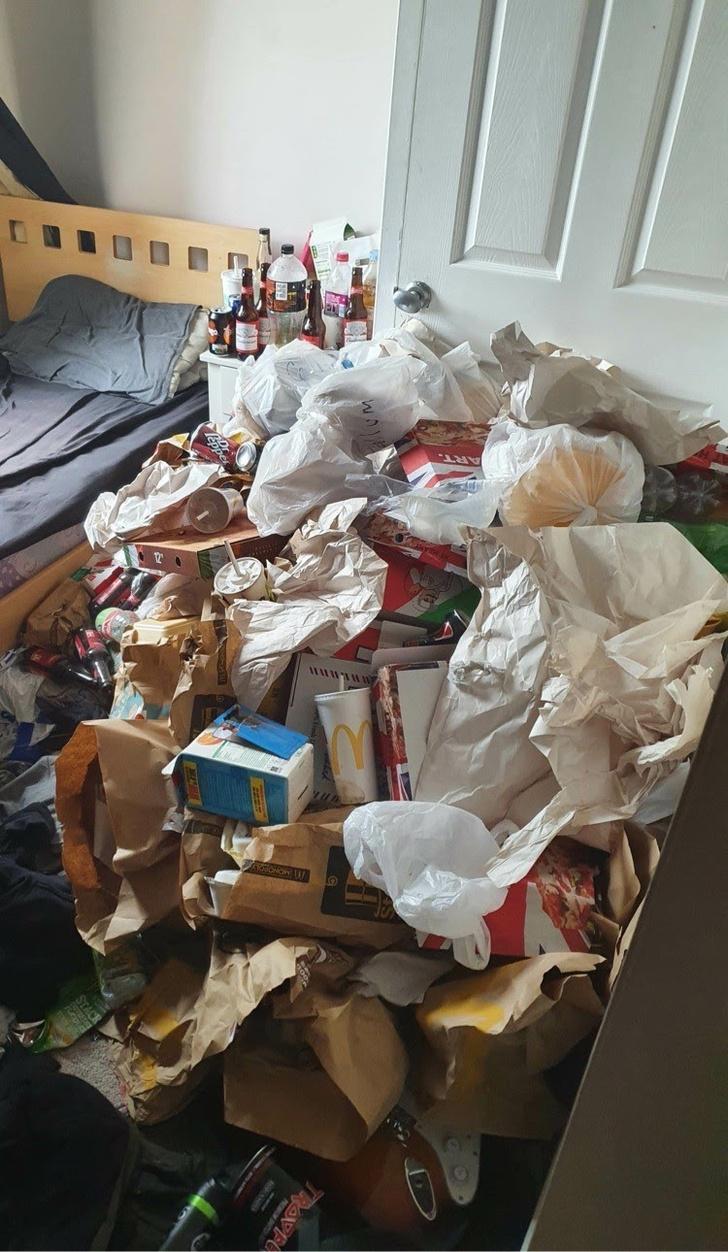 Фото №11 - Самые грязные спальни простых британцев: 16 трогательных фото