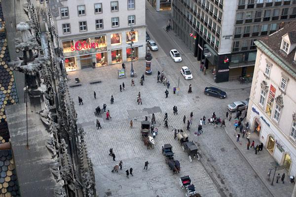 Фото №3 - Зеркала антикварной столицы