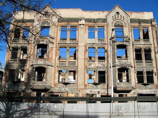 Фото №7 - С оглядкой на руины