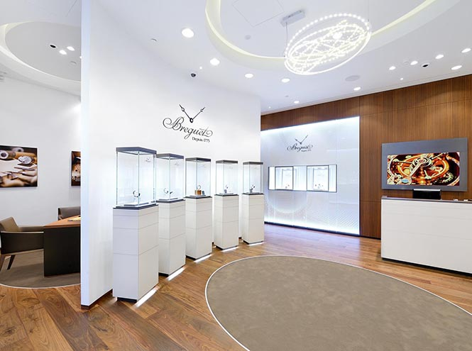 Фото №3 - Breguet открыл бутик в галереях «Времена Года»