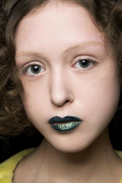 Фото №17 - Как правильно использовать зеленый цвет в макияже и маникюре