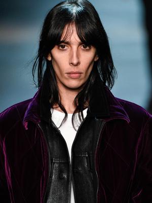 Фото №16 - Страшная сила: 10 моделей с провокационной внешностью, покоривших мир моды