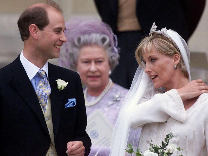 Фото №5 - Кого Королева считает своим самым «трудным» ребенком (спойлер— это не Чарльз и не Эндрю)