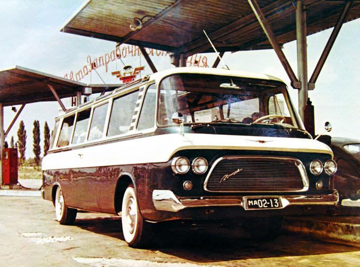 Фото №1 - 5 советских машин, заслуживших признание за рубежом