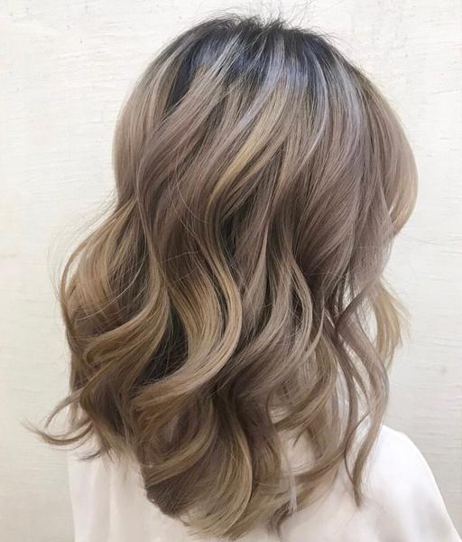 Фото №8 - Молочный цвет волос: самое модное окрашивание этого лета