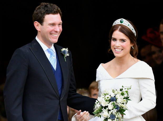 Фото №1 - Тонкий намек: почему поклонники БКС уверены, что принцесса Евгения беременна