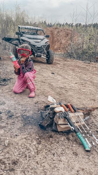 Фото №4 - На фоне слухов о разводе Ксения Бородина отдала дочь мужу с синяком на лице