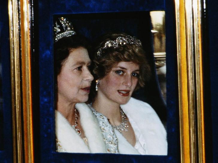 Фото №3 - Уроки прошлого: почему Королева все еще не лишила Гарри и Меган титулов