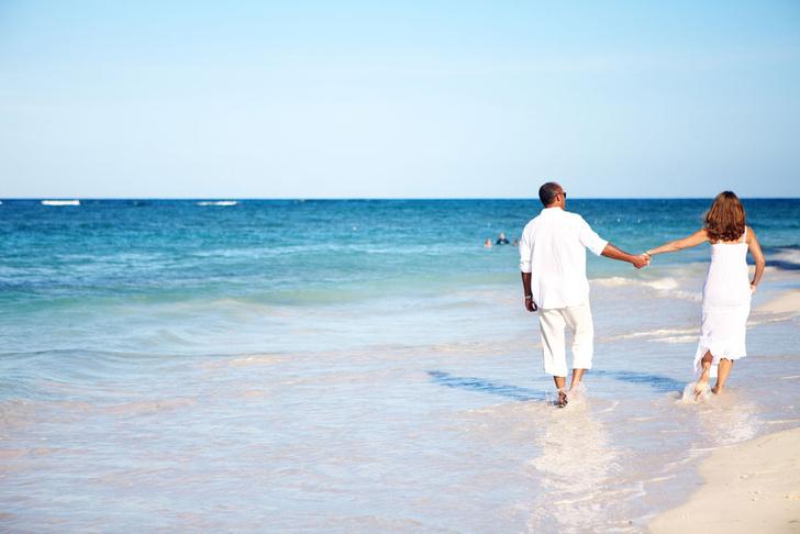 Фото №1 - Позитивные супруги положительно влияют на здоровье друг друга