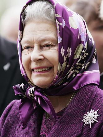 Фото №11 - Одним цветом: как королевские особы носят монохромные образы— 30 вдохновляющих примеров