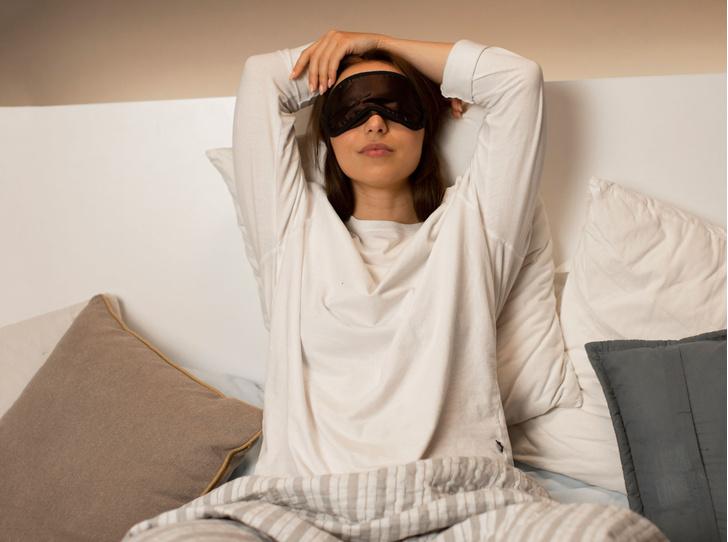 Фото №1 - 5 эффективных способов наладить режим сна после отпуска (или бурных выходных)
