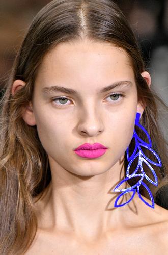Фото №22 - New pink: 5 трендов «розового» макияжа, которые хочется повторить