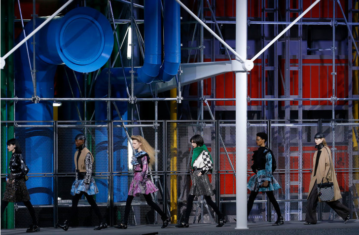 Фото №67 - 7 запоминающихся шоу на Неделе моды в Париже