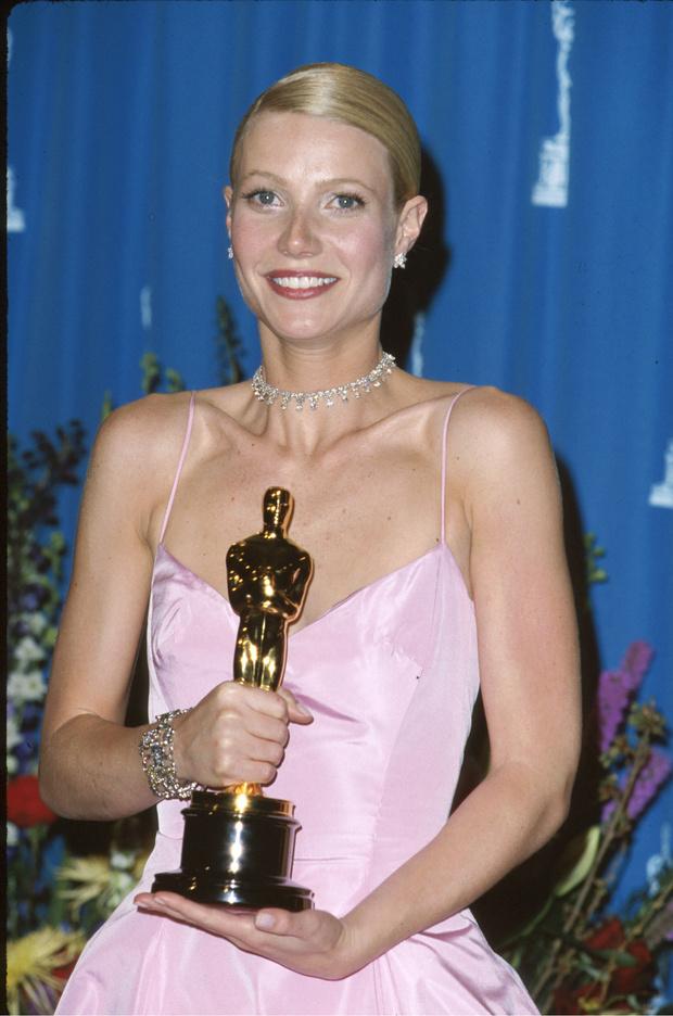 Фото №4 - Самые блистательные украшения в истории «Оскара»