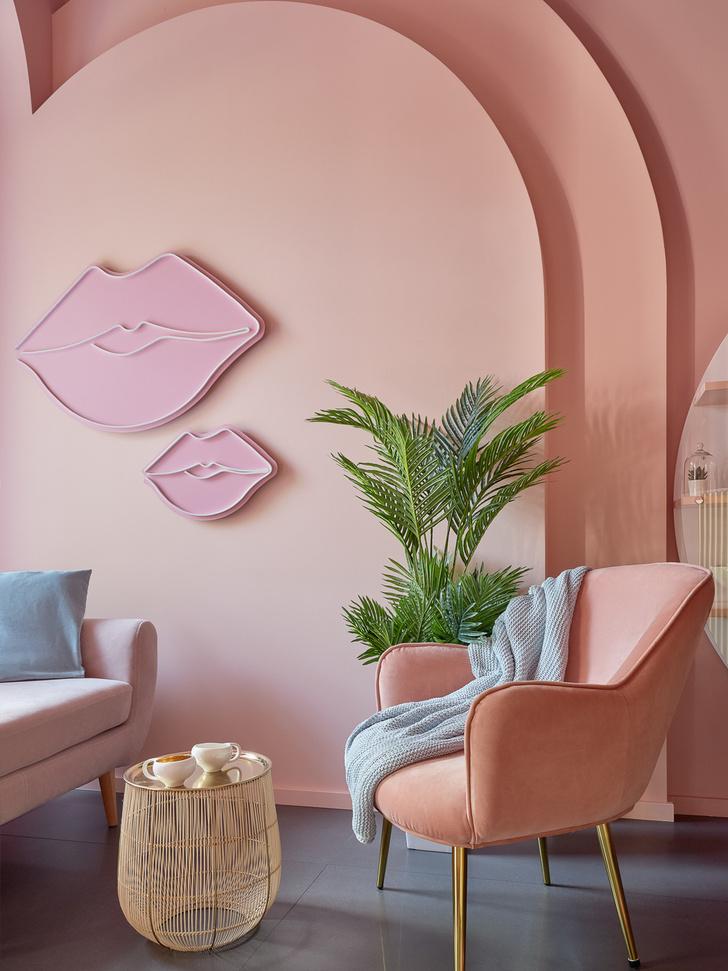 Фото №7 - Салон красоты Glossy & Go в Москве