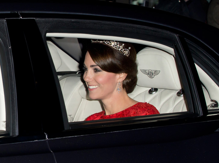 Фото №5 - Какой титул получит Кейт Миддлтон после коронации мужа