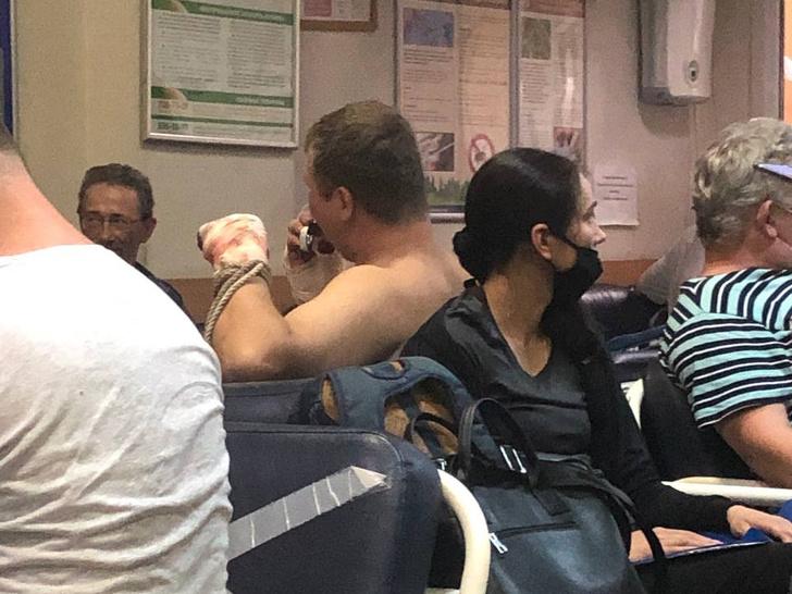 Фото №5 - «Нековидные» больницы превратились в ад— честный репортаж из приемного отделения