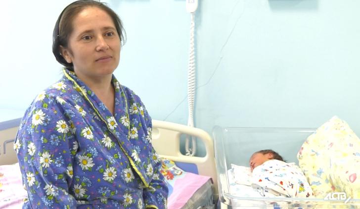 Фото №1 - Многодетная россиянка в 40 лет родила 12-го ребенка