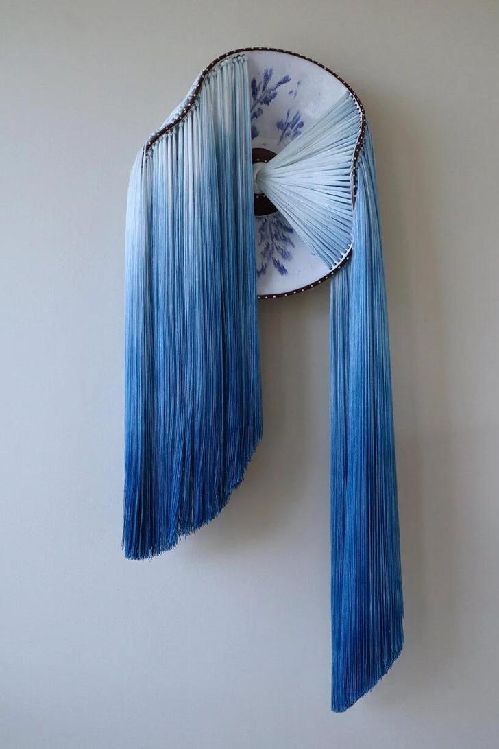 Фото №4 - Тарелки с вышивкой: необычные работы Николь Маклафлин