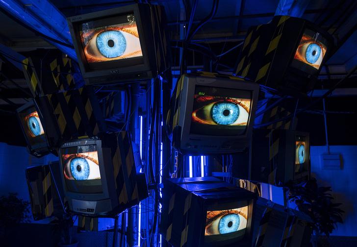 Фото №1 - Пять вещей из киберпанка, которые считались фантастическими, но стали почти обыденностью