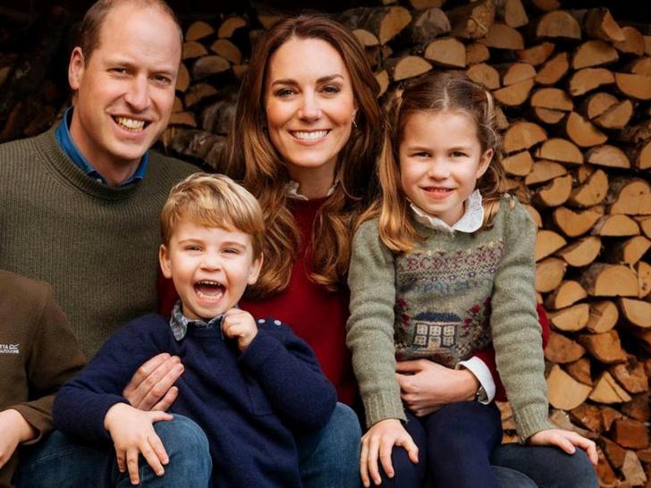 Фото №1 - Суровые уроки жизни, которые Шарлотта и Луи Кембриджские выучат на примере принцев Гарри и Эндрю