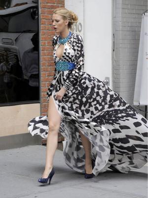 Фото №3 - Gossip girl fashion: 10 лучших образов Блэр и Серены из «Сплетницы»