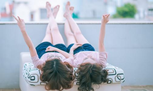 Фото №1 - Поздние роды и ЭКО довели до исторического максимума число рождающихся близнецов