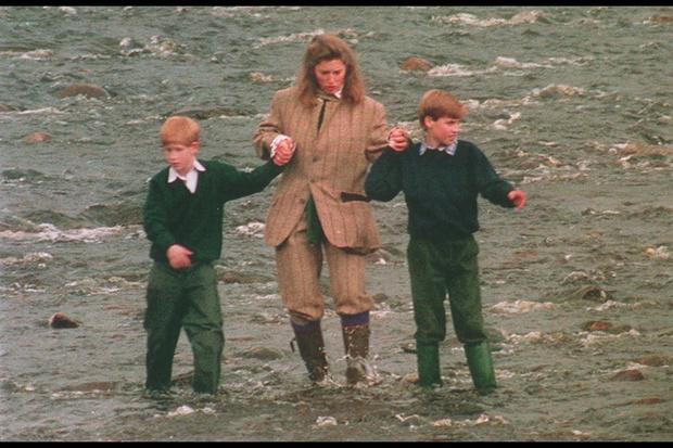Фото №3 - Темная Мэри Поппинс: что за женщина чуть не заменила Чарльзу жену, а Гарри и Уильяму мать при живой Диане