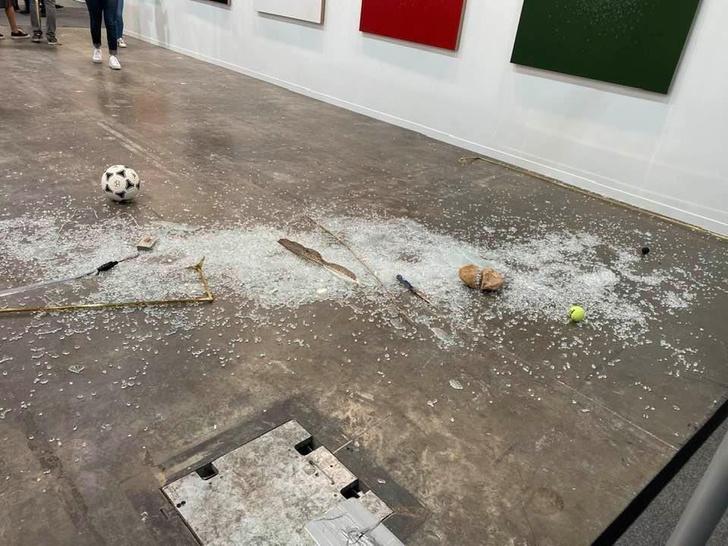 Фото №4 - В Мексике арт-критик хотела показать никчемность экспоната за 20 тысяч долларов и случайно разбила его (фото)
