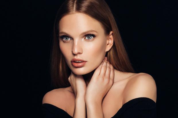 Фото №3 - 8 правил макияжа с эффектом подтяжки лица