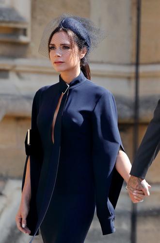 Фото №6 - Виктория Бекхэм объяснила выбор платья к свадьбе Меган и Гарри (не прошло и полгода)