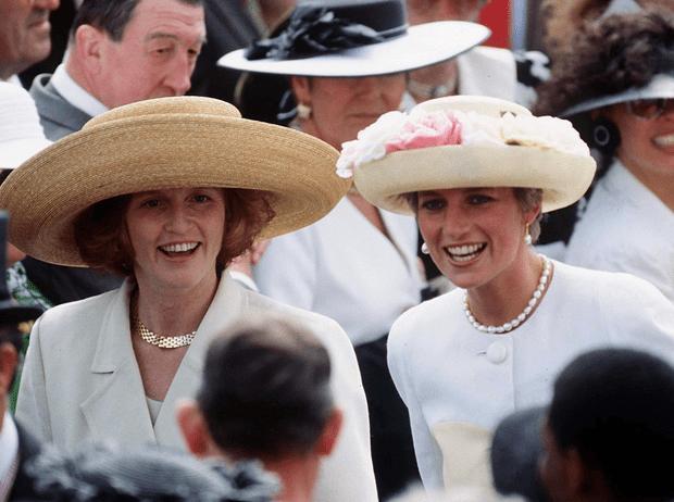 Фото №1 - Как принцесса Диана и Сара Фергюсон разыграли обитателей Букингемского дворца