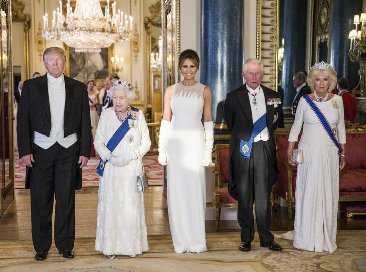 Фото №4 - Исторический момент: почему Королева не надела тиару на встречу с Джо Байденом