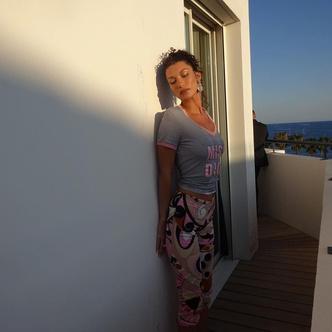 Фото №2 - Как носить два принта одновременно: модный урок от Беллы Хадид