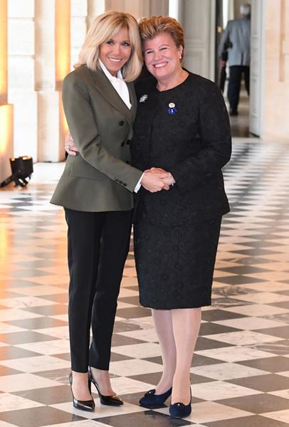 Фото №18 - Как выглядит Брижит Макрон на фоне других Первых леди