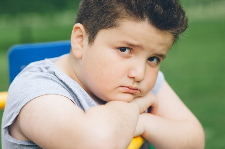 полный ребенок, лишний вес, ребенок с лишним весом, как сказать ребенку чтобы меньше ел, проблемы с весом у ребенка
