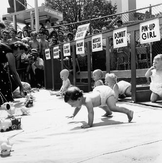Фото №2 - Гонка младенцев с драматичным финишем (видео)