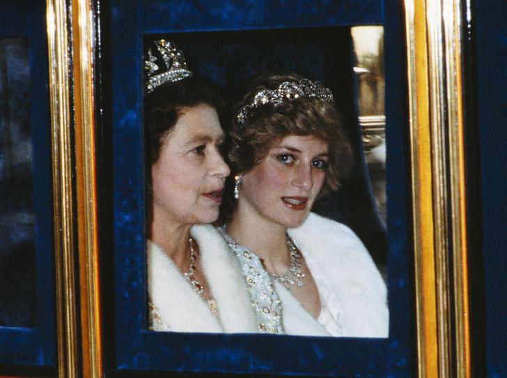Фото №2 - Как принцесса Диана вносила разлад в брак Елизаветы II и принца Филиппа