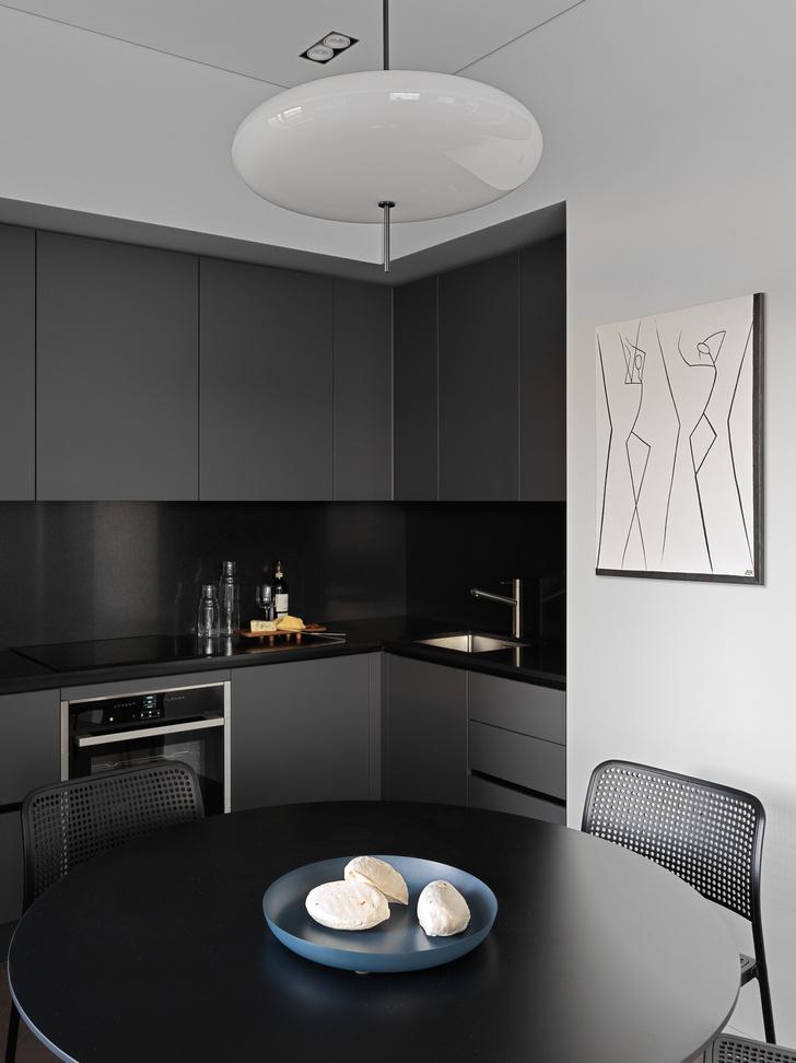 Фото №4 - Монохромная квартира 59 м² для целеустремленной женщины